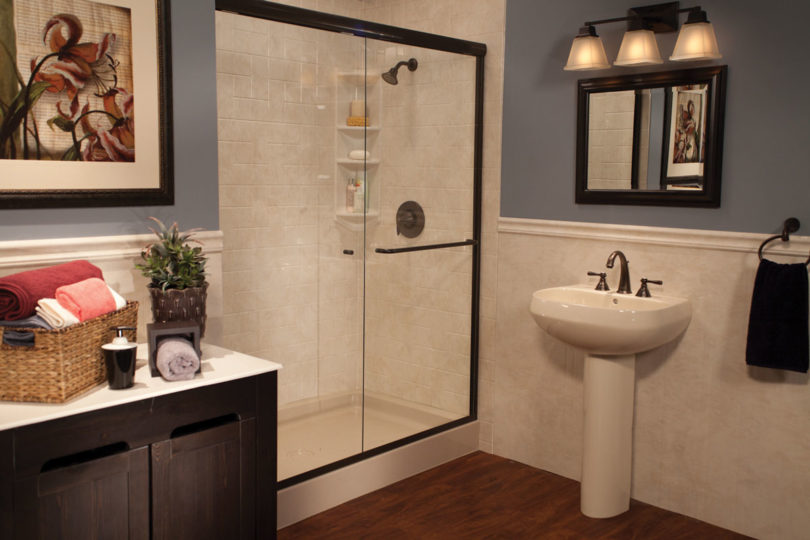 Almond_Shower_Base_Almond_White_Windmill_Tile_and_Wainscoting_Oil_Rubbed_Bronze_IMG_6350_HR_bci